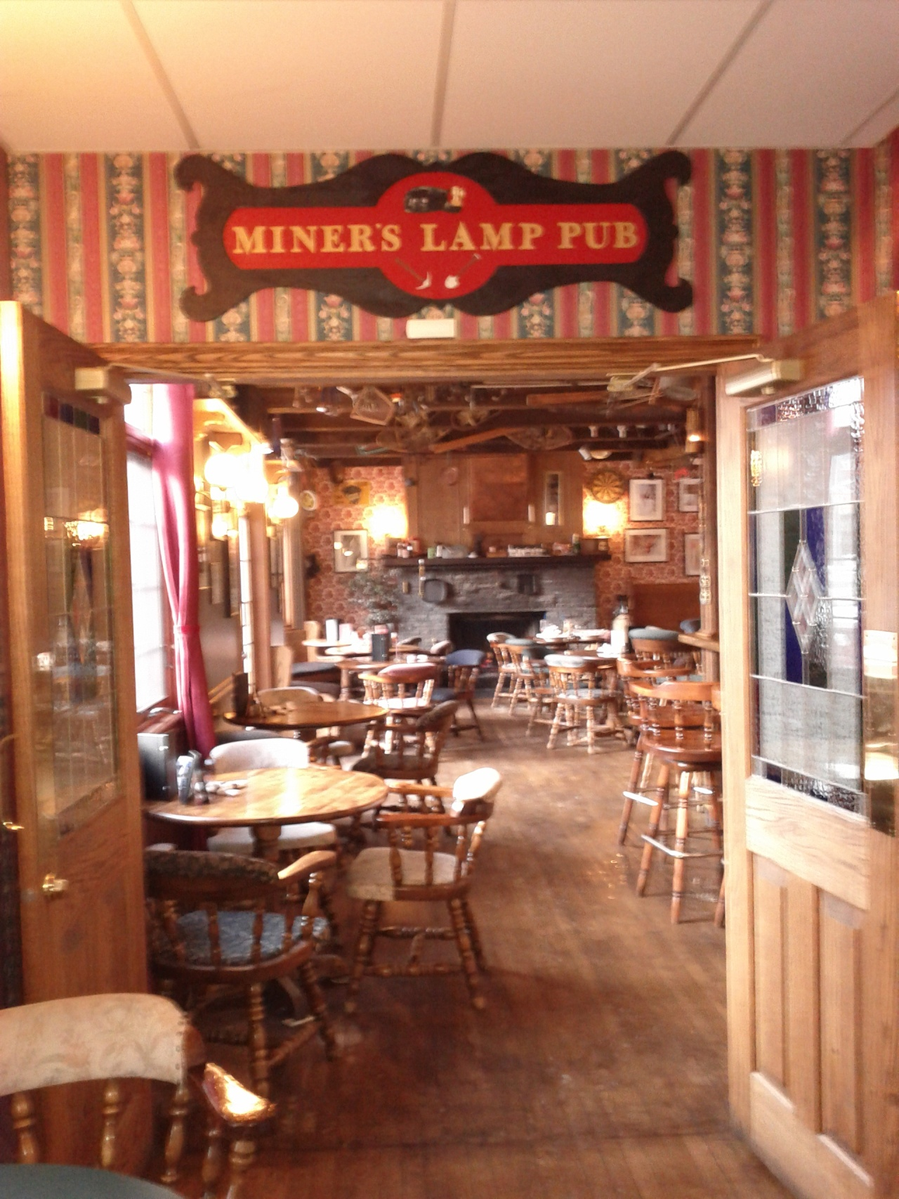 Miner's Lamp Pub in Canmore